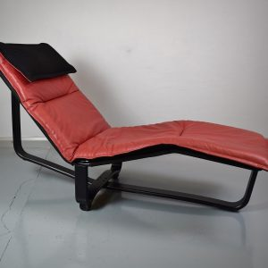 Chaise Longues